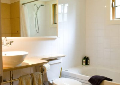 photo of hillview bathroom
