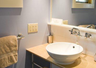 photo of hillview blue bathroom